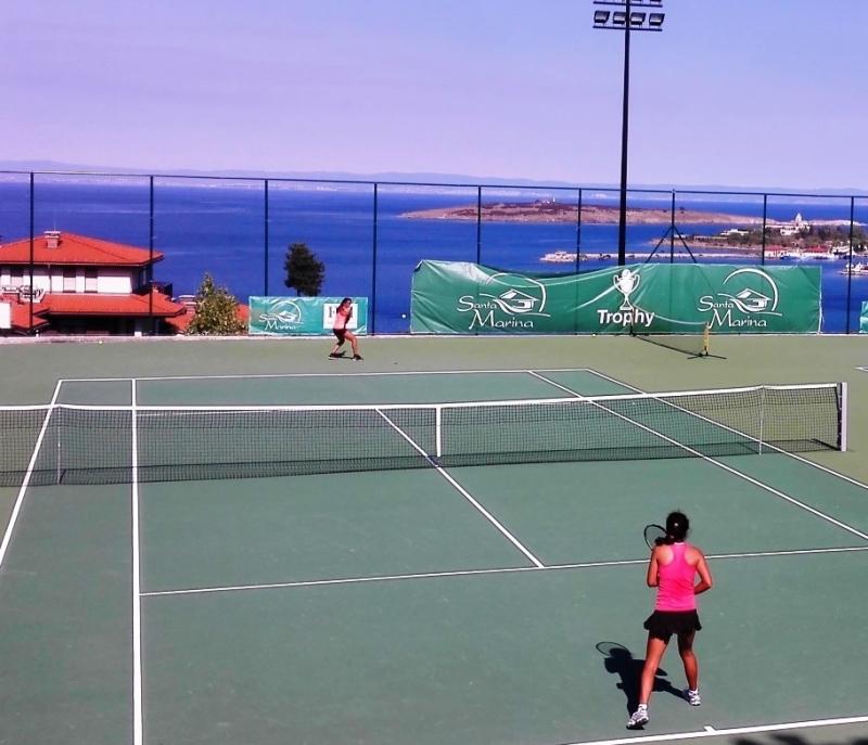 Аршинкова отново на четвъртфинал в Созопол