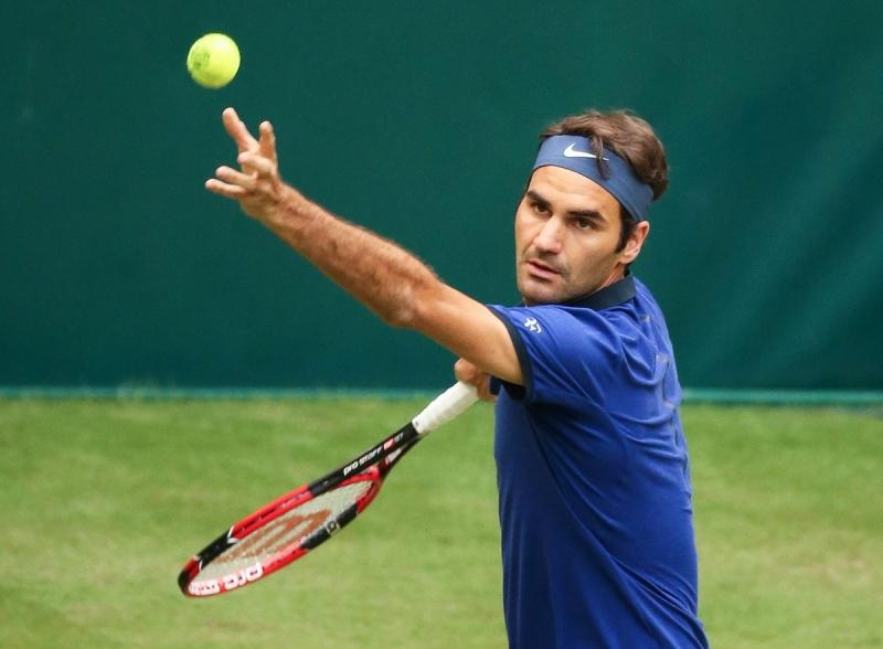 Федерер започна ударно в Хале