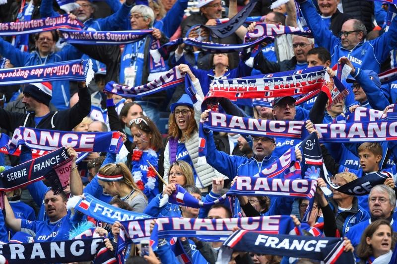 Яник Ноа остава капитан на Франция